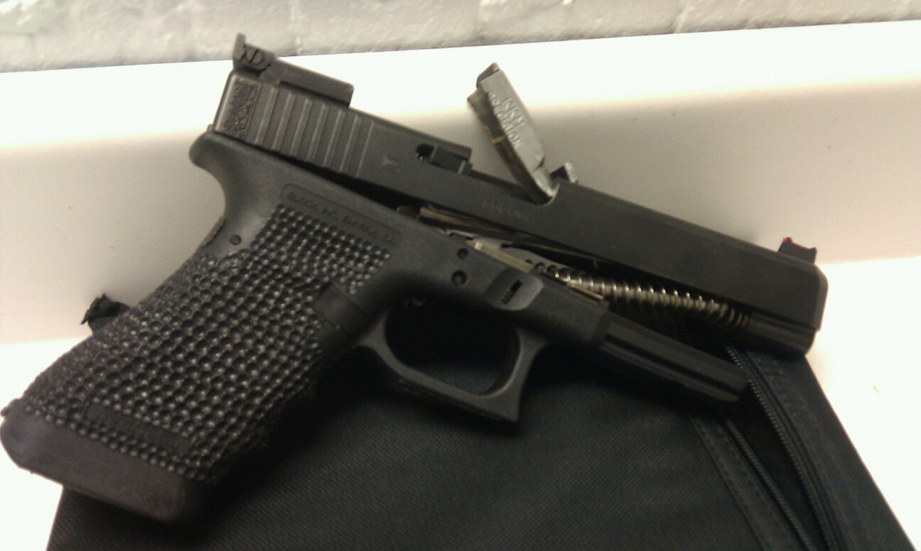 Another reason I dont like Glocks & J&S customs!-- UPDATED! - Gear ...
